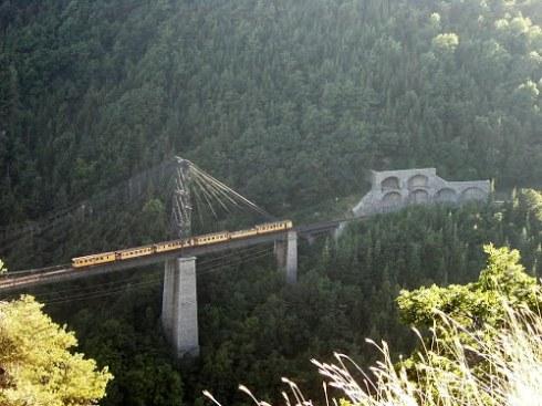 желтый поезд серданья